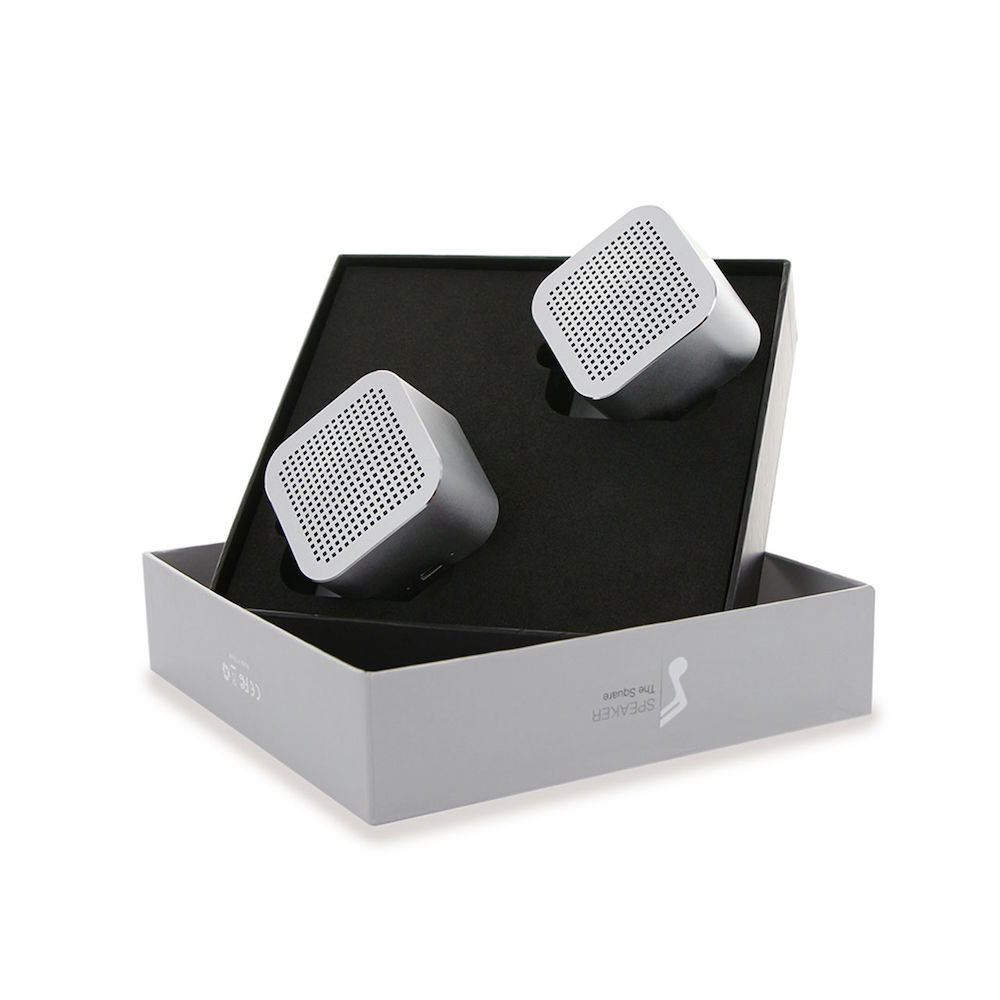 THE SQUARE STEREO SET
