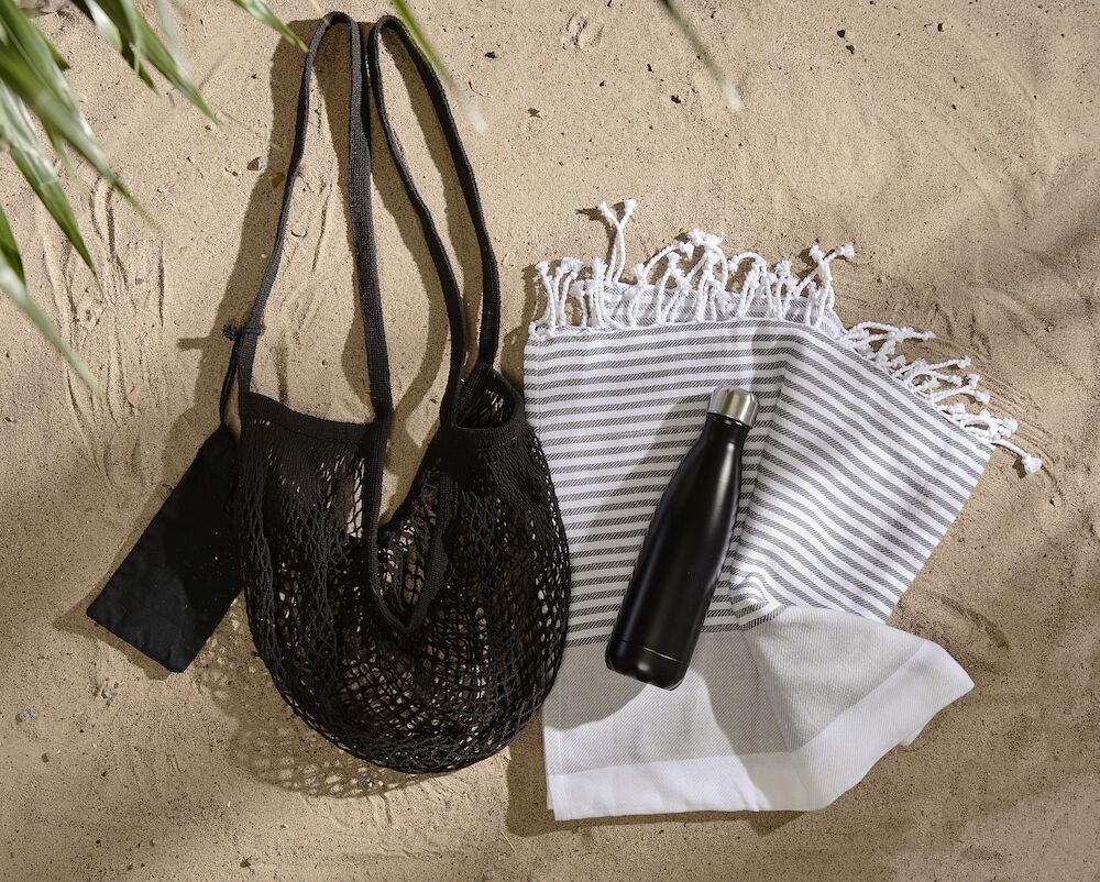 En dag på stranden, svart