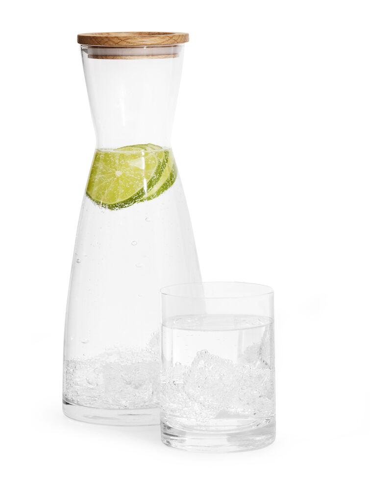 Vandkaraffel og glas